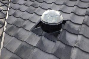 新型天窓・スカイライトチューブ  土葺き屋根の巻
