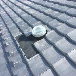 【新型天窓】スカイライトチューブ 最高級いぶし瓦屋根に設置完了!