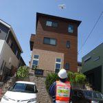 ドローン屋根点検の本領発揮!3階建ての住宅の屋根には有効です!