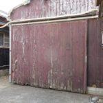 動かない倉庫の扉 屋根補修のついでに扉のレール補修【愛知県南知多町】