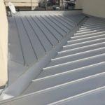 【店舗】金属屋根の雨漏り 2重屋根のカバー工法で雨漏り補修【愛知県豊明市】