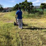 運動会駐車場のために旧職業訓練校を草刈りしましたよ (-_-;)