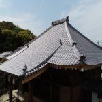 お寺の葺き替え工事が全て終わり綺麗に仕上がりましたよ (^o^)/