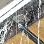 ゲリラ豪雨の雨漏り被害は火災保険の対象?補償を受けるポイントは?